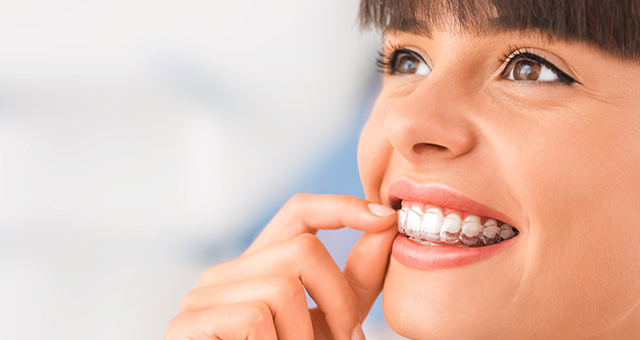 Lingual Braces or Invisalign: Which is best for you? | South East Orthodontics